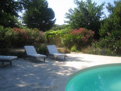 La piscine avec vue sur le Ventoux